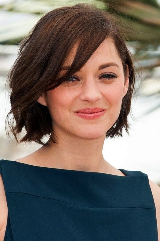 Round face 2018 haircuts female