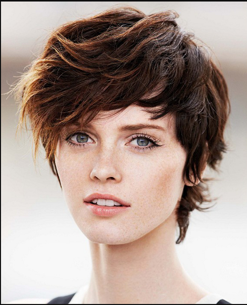 Messy Short Hair Model