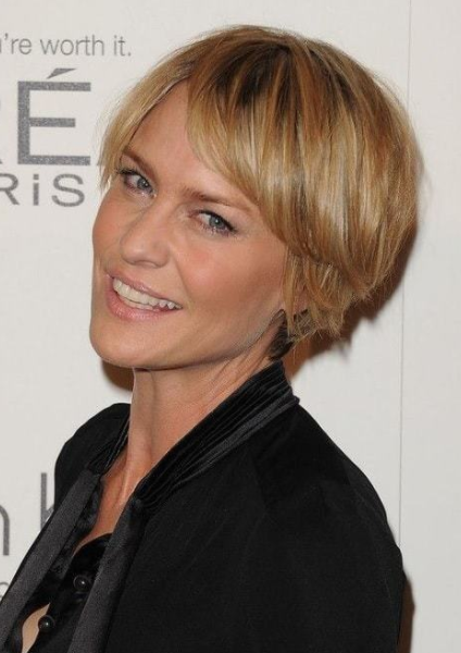 The 40 Most Youthful Short Hairstyles for Women over 40