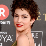 wavy and curly pixie cut ideas