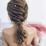 Quick and Easy Hairstyles for Summer with Hair Accessories
