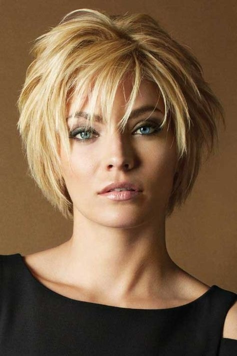 Shattered Bob Hairstyle For Trendy Summer Look Best Short Hairstyles